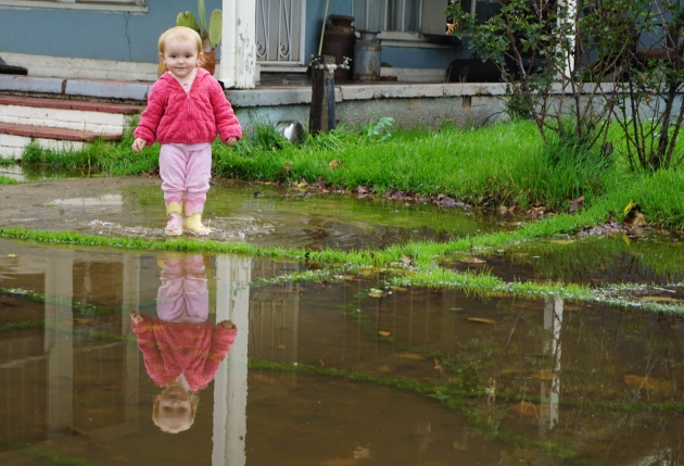 Rain Means Puddles (And Happy Toddlers and Waddlers)